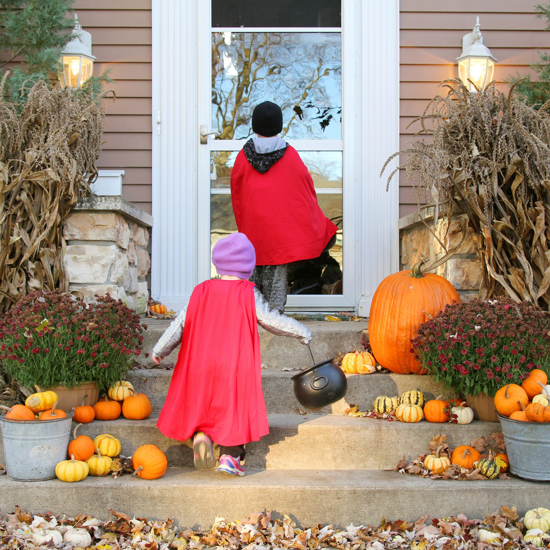 Halloween Decor Inspiration for your Front Por