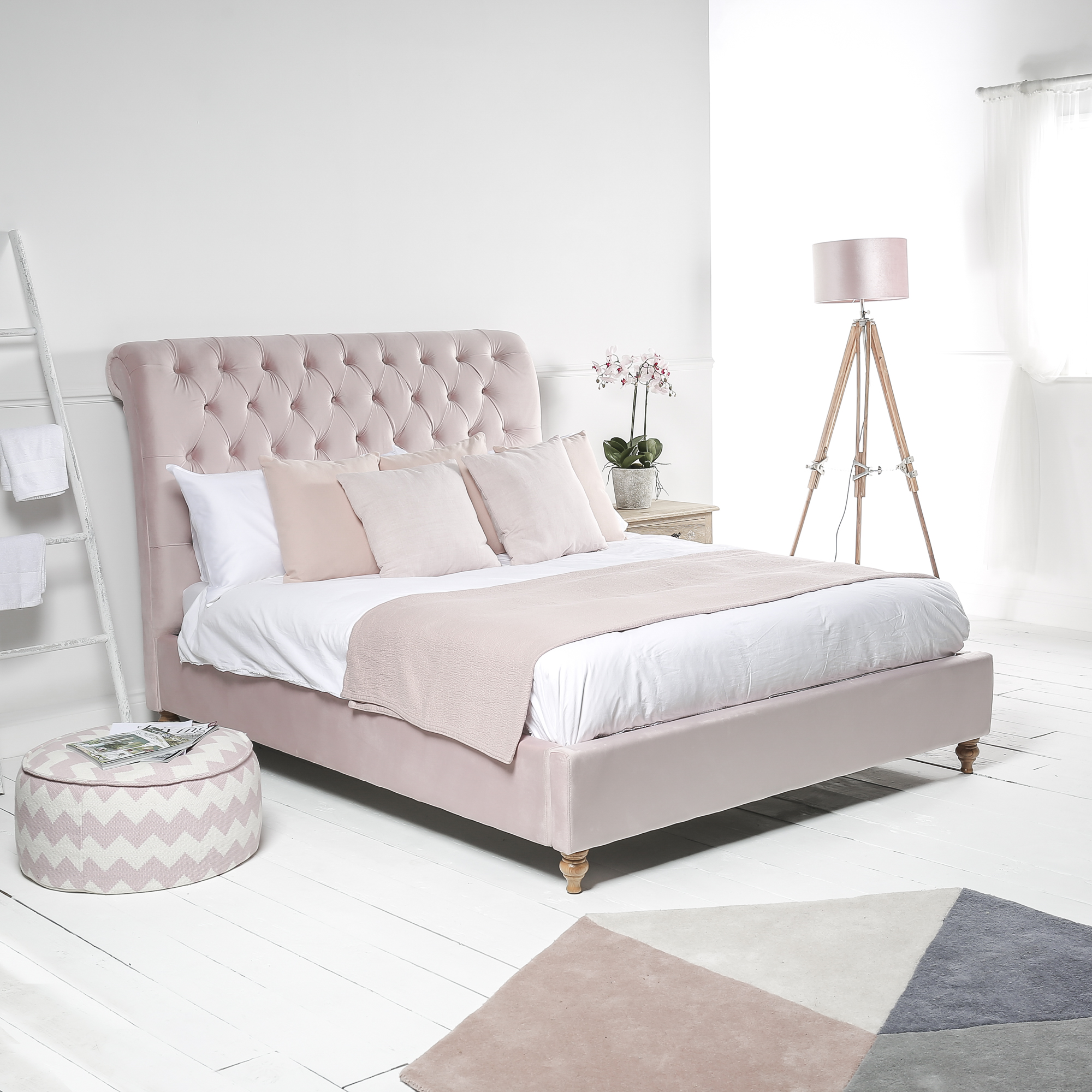 Chesterfield King Size Pink Velvet Bed with Low Footboard (5ft)