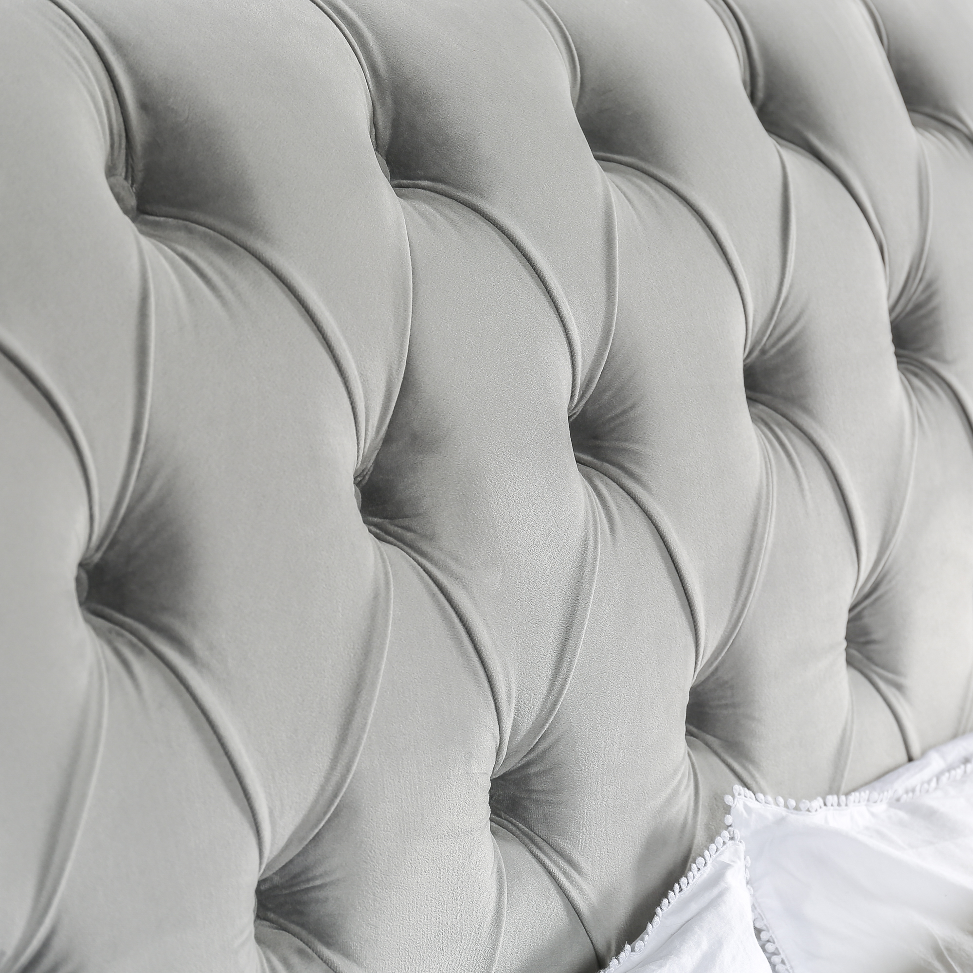 5ft Chesterfield King Size Bed With Grey Velvet Upholstery